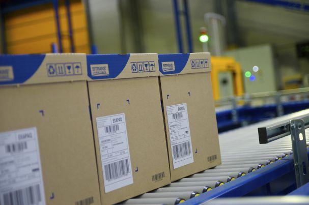 Photo d'un chaîne logistique de gestion des marchandises sur un site Sitrans