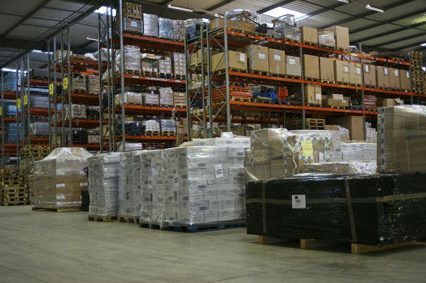 Photo de palettes dans un entrepôt Sitrans