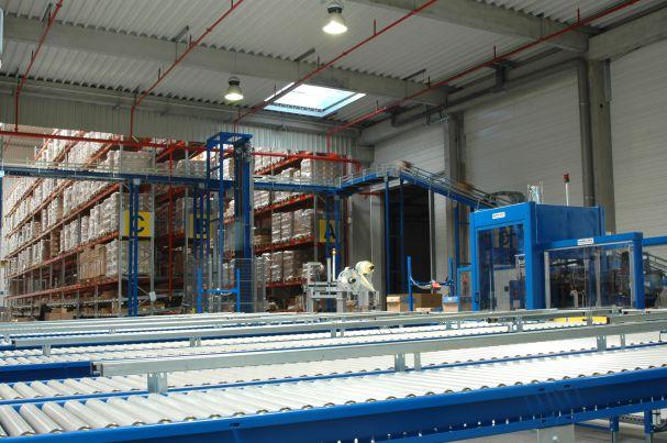Photo montrant la chaîne de gestion des colis chez Sitrans Logistique
